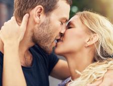 4 טיפים לנשיקה הראשונה