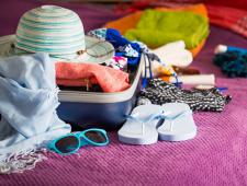 """11 טיפים לדברים שחייבים לעשות לפני טיסה לחו""""ל"""